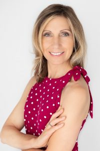 Linda Ljucovic CHRP, Hatha Yoga Teacher, Registered Holistic Nutritionist RHN, Clinic Owner